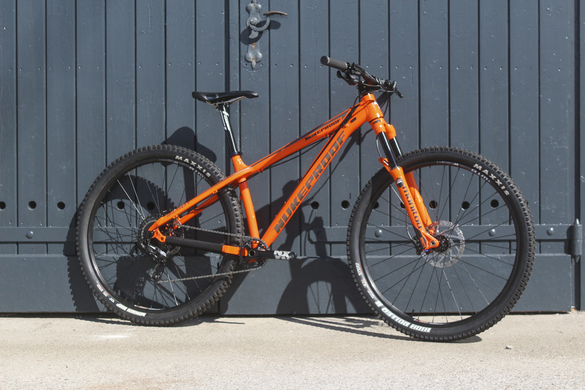 nukeproof scout 290 comp 29in hardtail manitou