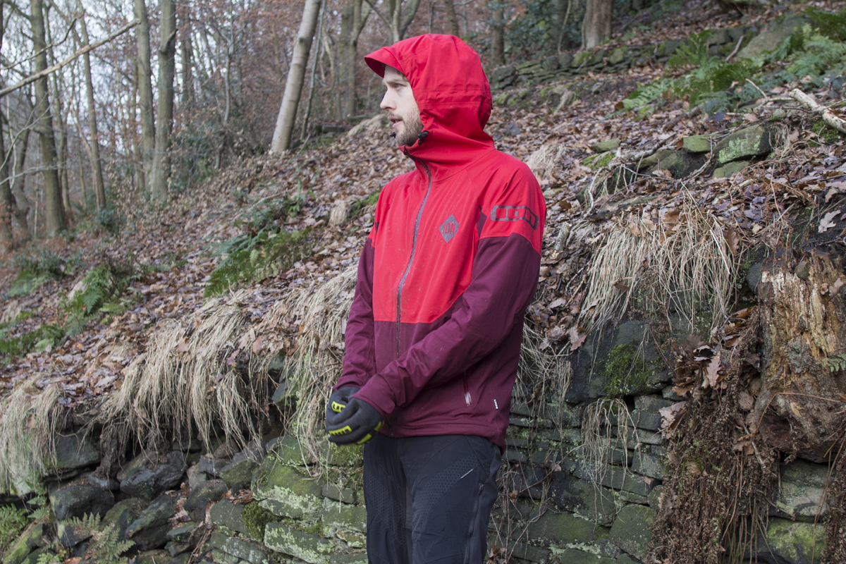ion vario waterproof jacket wil