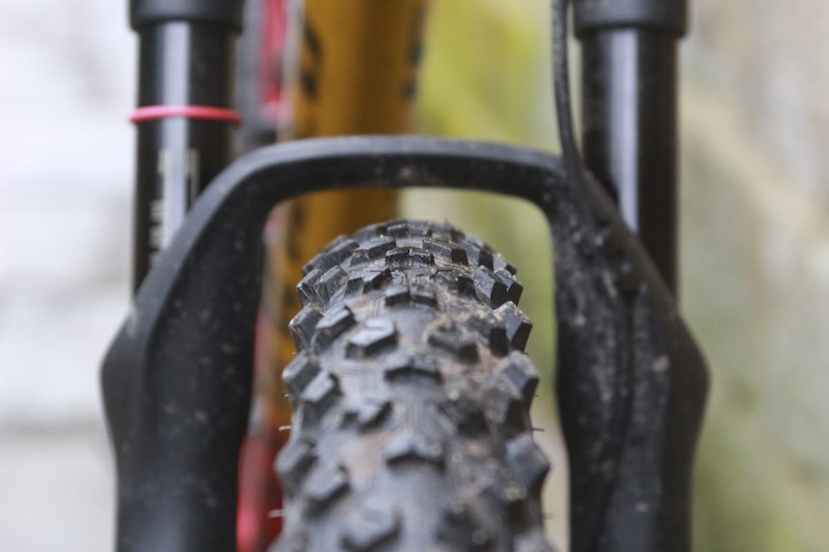 specialized epic sid hutchinson taipan tyre
