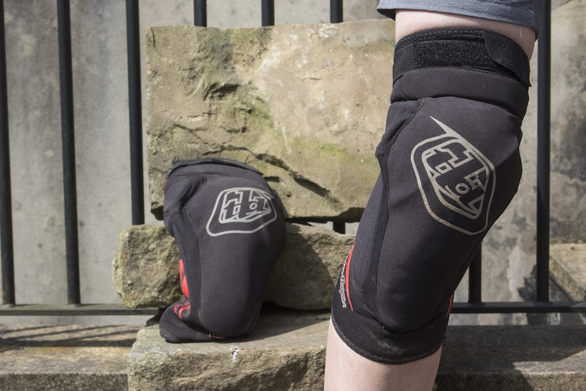 troy lee designs knee pads issue 114